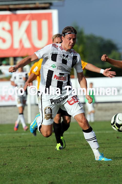 9.7.2012, Veritas stadion (Kupittaa), Turku..Veikkausliiga 2012..FC TPS Turku - FC Honka..Mika ??ritalo - TPS.