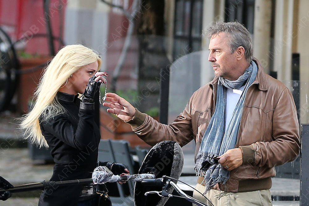 29.JANUARY.2013. PARIS<br /> <br /> KEVIN COSTNER AND AMBER HEARD ON THE SET OF THEIR NEW MOVIE 'THREE DAYS TO KILL' ON RUE DES BARRES IN PARIS<br /> <br /> BYLINE: EDBIMAGEARCHIVE.CO.UK<br /> <br /> *THIS IMAGE IS STRICTLY FOR UK NEWSPAPERS AND MAGAZINES ONLY*<br /> *FOR WORLD WIDE SALES AND WEB USE PLEASE CONTACT EDBIMAGEARCHIVE - 0208 954 5968*