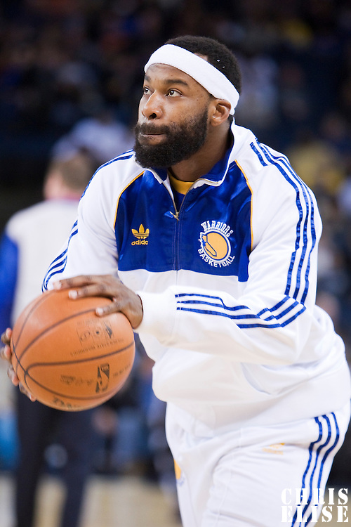 08 April 2008: Golden State Warriors guard Baron Davis warms up prior to the Golden State Warriors 140-132 victory over the Sacramento Kings at the Oracle  Arena, in Oakland, California, USA.
