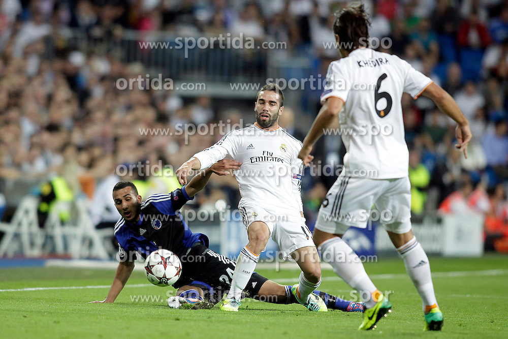 02.10.2013, Estadio Santiago Bernabeu, Madrid, ESP, UEFA Champions League, Real Madrid vs FC Kopenhagen, Gruppe B, im Bild Real Madrid Carvajal and FC Kopenhagen Youssef Toutouh // during the UEFA Champions League Group B match between Real Madrid and FC Kopenhagen at the Estadio Santiago Bernabeu, Madrid, Spain on 2013/10/02. EXPA Pictures &copy; 2013, PhotoCredit: EXPA/ Alterphotos/ Ricky Blanco<br /> <br /> ***** ATTENTION - OUT OF ESP and SUI *****