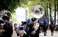 DEN HAAG - Het Bereden Ere-Escorte van de Koninklijke Marechaussee oefent op het Lange Voorhout ter voorbereiding op Prinsjesdag. ANP ROBIN UTRECHT
