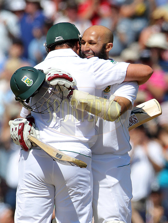 © Andrew Fosker / Seconds Left Images 2012 - South Africa's Hashim Amla celebrates his double century, hundred, 100, 200  with South Africa's Jacques Kallis England v South Africa - 1st Investec Test Match -  Day  4 - The Oval  - London - 22/07/2012