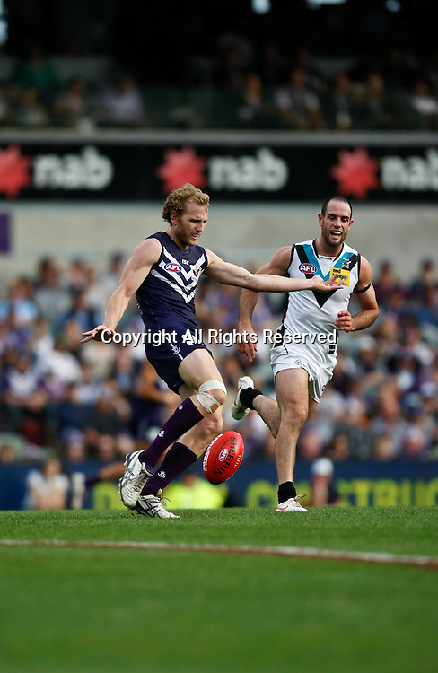 13.05.2012 Subiaco, Australia. Fremantle v Port Adelaide. David Mundy in action during the Round 7 game played at Patersons Stadium.