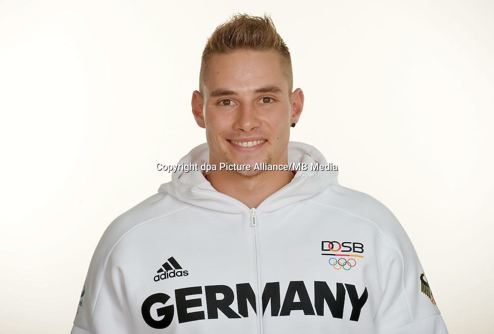 Johannes Vetter poses at a photocall during the preparations for the Olympic Games in Rio at the Emmich Cambrai Barracks in Hanover, Germany. July 26, 2016. Photo credit: Frank May/ picture alliance. | usage worldwide