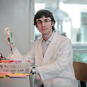 una giovane ricercatore della scuola di Biotecnologie dell'Università di Torino<br /> <br /> a young researcher at the School of Biotechnology of the University of Turin