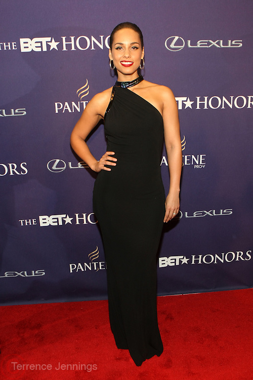 January 12, 2013- Washington, D.C-Recording Artist Alicia Keys attends the 2013 BET Honors Red Carpet held at the Warner Theater on January 12, 2013 in Washington, DC. BET Honors is a night celebrating distinguished African Americans performing at exceptional levels in the areas of music, literature, entertainment, media service and education. (Terrence Jennings)