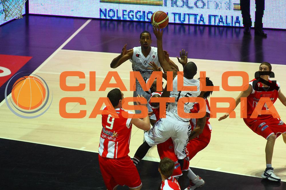 DESCRIZIONE : Bologna Lega A1 2008-09 La Fortezza Virtus Bologna Banca Tercas Teramo<br /> GIOCATORE : Keith Langford<br /> SQUADRA : La Fortezza Virtus Bologna<br /> EVENTO : Campionato Lega A1 2008-2009 <br /> GARA : La Fortezza Virtus Bologna Banca Tercas Teramo<br /> DATA : 21/12/2008 <br /> CATEGORIA : tiro<br /> SPORT : Pallacanestro <br /> AUTORE : Agenzia Ciamillo-Castoria/M.Minarelli