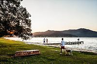Por do sol na Lagoa da Conceição. Florianópolis, Santa Catarina, Brasil. / Sunset at Conceicao Lagoon. Florianopolis, Santa Catarina, Brazil.