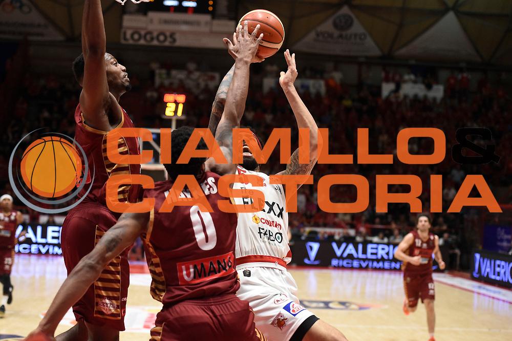 Terran Pettway<br /> The Flexx Pistoia Umana Reyer Venezia<br /> Lega Basket Serie A 2016/2017<br /> Playoff Quarti di finale Gara 4<br /> Pistoia 19/05/2017<br /> Foto Ciamillo-Castoria