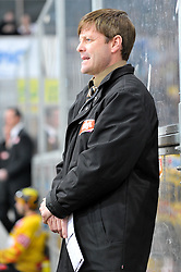 25.02.2010, Albert Schultz Halle, Wien, AUT, EBEL, Vienna Capitals vs SAPA Fehervar Alba Volan 19, im Bild ist Kevin GAUDET, Head Coach, Vienna Capitals noch skeptisch, EXPA Pictures © 2010, PhotoCredit: EXPA / G. Holoubek / SPORTIDA PHOTO AGENCY.