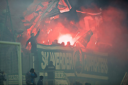 28.10.2014, Stadion an der Gellertstraße, Chemnitz, GER, DFB Pokal, Chemnitzer FC vs SV Werder Bremen, 2. Runde, im Bild Pyrotechnik im Bremer Block vor dem Anpfiff // during German DFP Pokal 2nd round match between Chemnitzer FC and SV Werder Bremen at the Stadion an der Gellertstraße in Chemnitz, Germany on 2014/10/28. EXPA Pictures © 2014, PhotoCredit: EXPA/ Andreas Gumz<br /> <br /> *****ATTENTION - OUT of GER*****