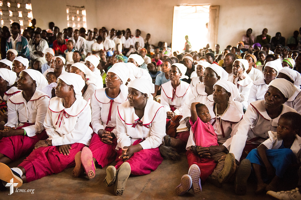 Parishioners participate in a worship service at a Confessional Lutheran Church–Malawi Synod parish on Sunday, Sept. 27, 2015, in Chingale, Malawi. LCMS Communications/Erik M. Lunsford