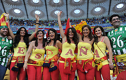 FUSSBALL  EUROPAMEISTERSCHAFT 2012   FINALE Spanien - Italien            01.07.2012 Spanische Fans