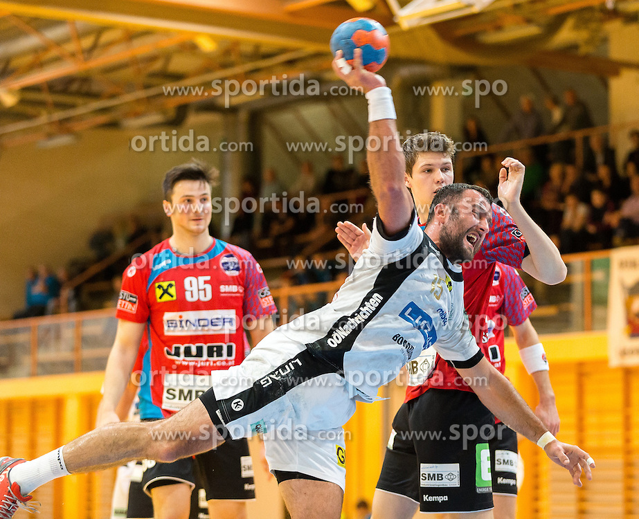 22.10.2016, Sporthalle Leoben Donawitz, Leoben, AUT, HLA, Union JURI Leoben vs HC Linz AG, 9. Runde, im Bild v.l.: Hazbulat Sabazgiraev (Leoben), Gojko Vuckovic (Linz), Stafan Salbrechter (Leoben) // during the Handball League Austria, 9 th round match between Union JURI Leoben vs HC Linz AG at the sport Hall, Leoben, Austria on 2016/10/22, EXPA Pictures © 2016, PhotoCredit: EXPA/ Dominik Angerer