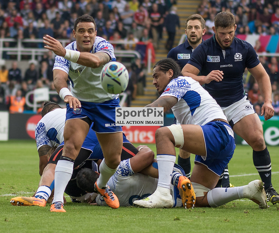 Samoa #9 Kahn Fotuali'i (captain) gets a pass away. Scotland v Samoa, 10th October 2015