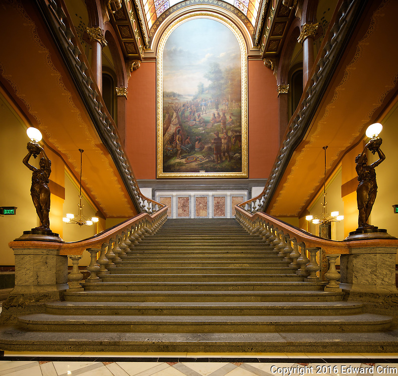The grand stair of the Illinois capitol.