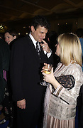 David Remnick and Allison Pearson. party for Anthony Lane's book hosted  given by David Remnick, editor of the New Yorker. River Cafe. 12 November 2002.  © Copyright Photograph by Dafydd Jones 66 Stockwell Park Rd. London SW9 0DA Tel 020 7733 0108 www.dafjones.com