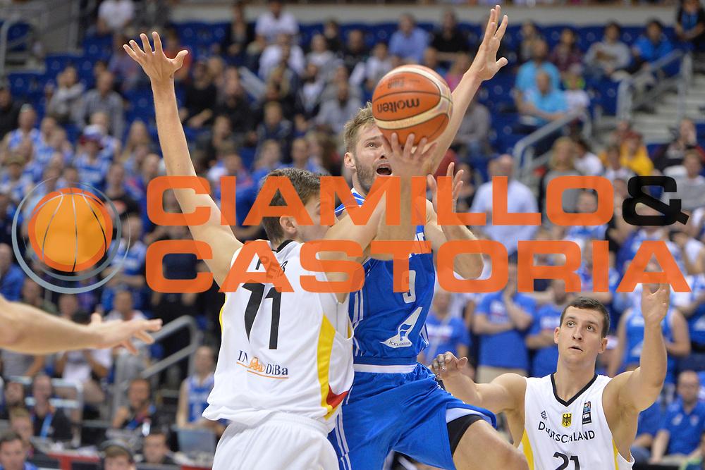 DESCRIZIONE : Berlino Berlin Eurobasket 2015 Group B Iceland Germany <br /> GIOCATORE :  Jon Stefansson<br /> CATEGORIA : Tiro difesa sequenza<br /> SQUADRA : Iceland<br /> EVENTO : Eurobasket 2015 Group B <br /> GARA : Iceland Germany <br /> DATA : 06/09/2015 <br /> SPORT : Pallacanestro <br /> AUTORE : Agenzia Ciamillo-Castoria/I.Mancini <br /> Galleria : Eurobasket 2015 <br /> Fotonotizia : Berlino Berlin Eurobasket 2015 Group B Iceland Germany