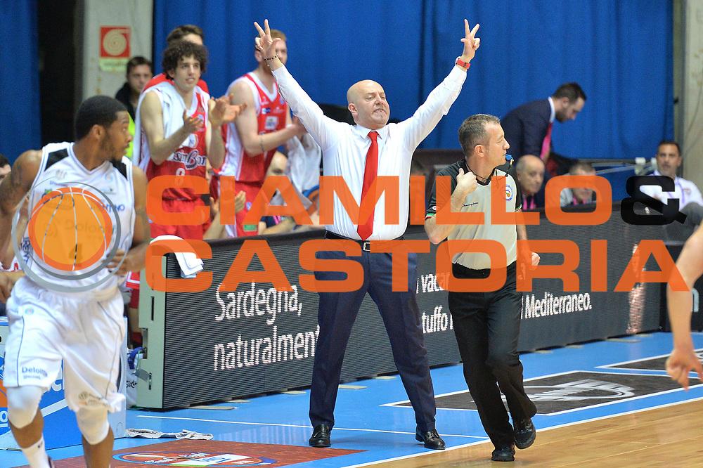 DESCRIZIONE : Final Eight Coppa Italia 2015 Desio Quarti di Finale Grissin Bon Reggio Emilia vs Dolomiti Energia Trento GIOCATORE :Massimiliano Menetti<br /> CATEGORIA :Coach Mani<br /> SQUADRA : Grissin Bon Reggio Emilia<br /> EVENTO : Final Eight Coppa Italia 2015 Desio <br /> GARA : Grissin Bon Reggio Emilia vs Dolomiti Energia Trento  <br /> DATA : 20/02/2015 <br /> SPORT : Pallacanestro <br /> AUTORE : Agenzia Ciamillo-Castoria/I.Mancini
