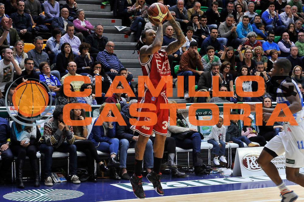 DESCRIZIONE : Campionato 2014/15 Dinamo Banco di Sardegna Sassari - Olimpia EA7 Emporio Armani Milano<br /> GIOCATORE : David Moss<br /> CATEGORIA : Tiro Tre Punti<br /> SQUADRA : Olimpia EA7 Emporio Armani Milano<br /> EVENTO : LegaBasket Serie A Beko 2014/2015<br /> GARA : Dinamo Banco di Sardegna Sassari - Olimpia EA7 Emporio Armani Milano<br /> DATA : 07/12/2014<br /> SPORT : Pallacanestro <br /> AUTORE : Agenzia Ciamillo-Castoria / Luigi Canu<br /> Galleria : LegaBasket Serie A Beko 2014/2015<br /> Fotonotizia : Campionato 2014/15 Dinamo Banco di Sardegna Sassari - Olimpia EA7 Emporio Armani Milano<br /> Predefinita :
