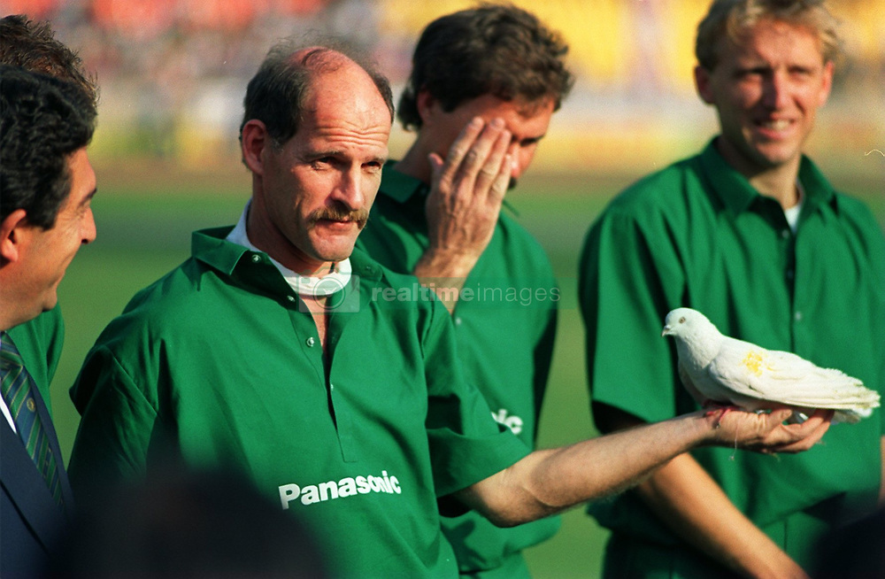 South Africa's Clive Rice with a peace dove at Delhi
