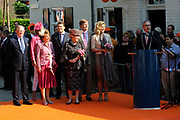 Koninginnedag 2011 in het  Limburgse plaatsjeThorn (witte dorp) // Queen's Day 2011 in the southern of Holland ( Limburg). The Royal family is visiting the small white village Thorn.<br />