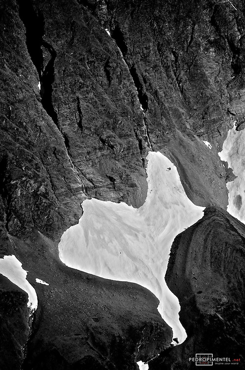 Wanaka, New Zealand. Between sea and summit, some of the most unforgettable aerials in the world.<br /> &copy;2012 Pedro Pimentel