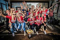 06.05.2016 Guld pigerne på Torvet i Esbjerg