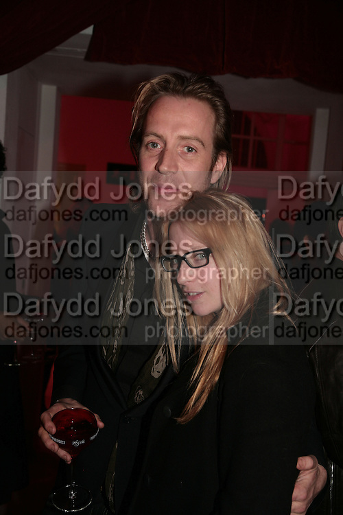 Rhys Ifans and Natalie Press,  Whitechapel and Hogan present Art Pls Drama Party 2007. Whitechapel Gallery. London. 8 March 2007. -DO NOT ARCHIVE-© Copyright Photograph by Dafydd Jones. 248 Clapham Rd. London SW9 0PZ. Tel 0207 820 0771. www.dafjones.com.