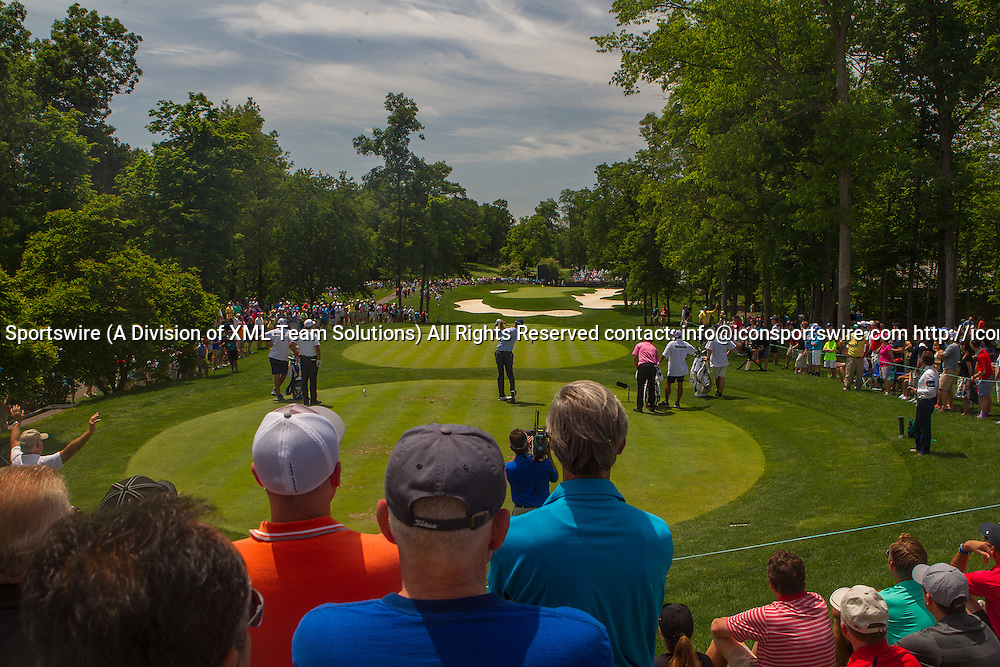June 03, 2016: Matt Kuchar tees off on the par 3 8th hole during the Second Round of the Memorial Tournament presented by Nationwide at Muirfield Village Golf Club in Dublin, OH. (Photo by Michael Griggs/Icon Sportswire)