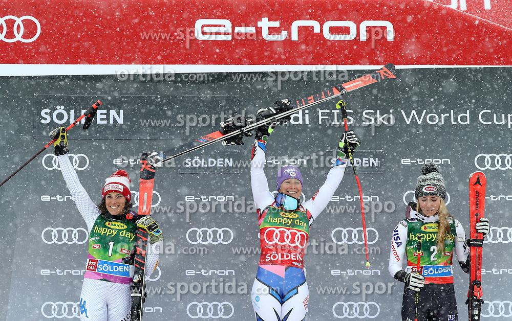 27.10.2018, Rettenbach Ferner, Sölden, AUT, FIS Weltcup Ski Alpin, Sölden, Riesenslalom, Damen, Siegerpräsentation, im Bild Federica Brignone (ITA), Tessa Worley (FRA), Mikaela Shiffrin (USA) // Federica Brignone (ITA), Tessa Worley (FRA), Mikaela Shiffrin (USA) during the winner presentation for the ladie's Giant Slalom of the FIS Ski Alpine Worldcup opening at the Rettenbach Ferner in Sölden, Austria on 2018/10/27. EXPA Pictures © 2018, PhotoCredit: EXPA/ SM<br /> <br /> *****ATTENTION - OUT of GER*****