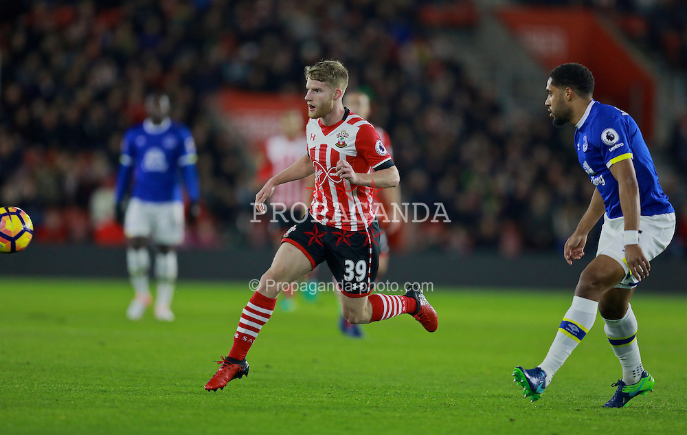 SOUTHAMPTON, ENGLAND - Saturday, November 19, 2016: Southampton's Jake Sinclair in action against Everton during the FA Premier League match at St. Mary's Stadium. (Pic by David Rawcliffe/Propaganda)