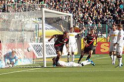 15.10.2011,  BorussiaPark, Mönchengladbach, GER, 1.FBL, Borussia Mönchengladbach vs Bayer 04 Leverkusen, im Bild.Stefan Reinartz (Leverkusen #3) (M) schiesst ein zum 0:1 gegen Marc-Andre ter Stegen (Torwart Moenchengladbach) Torjubel / Jubel ..// during the 1.FBL, Borussia Mönchengladbach vs Bayer 04 Leverkusen on 2011/10/13, BorussiaPark, Mönchengladbach, Germany. EXPA Pictures © 2011, PhotoCredit: EXPA/ nph/  Mueller *** Local Caption ***       ****** out of GER / CRO  / BEL ******