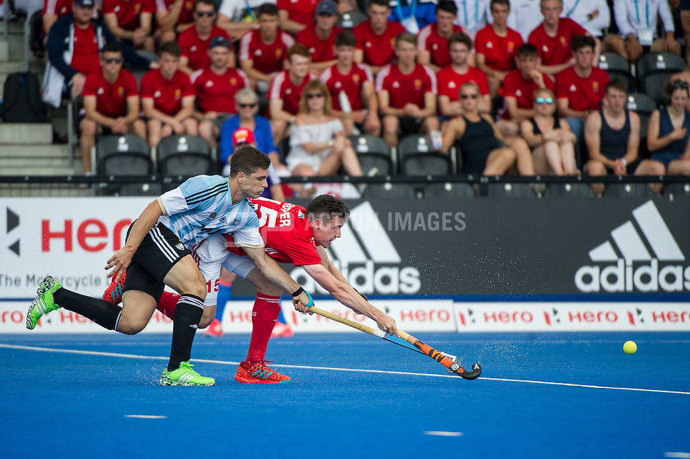 Phil Roper. England v Argentina - Hockey World League Semi Final, Lee Valley Hockey and Tennis Centre, London, United Kingdom on 18 June 2017. Photo: Simon Parker