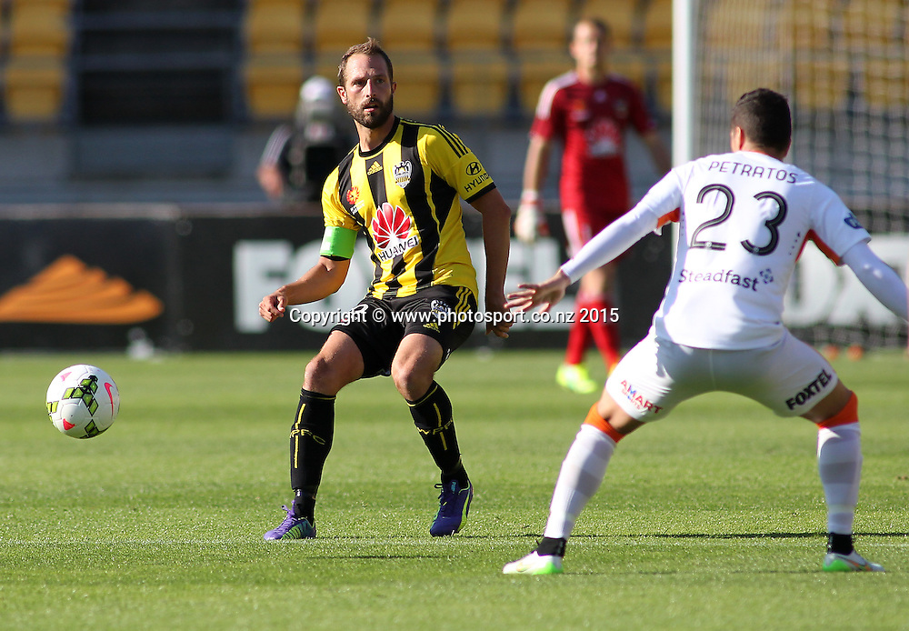 Phoenix' Andrew Durante makes a pass from the back during the A-League football match between the Wellington Phoenix & Brisbane Roar at Westpac Stadium, Wellington. 4th January 2015. Photo.: Grant Down / www.photosport.co.nz