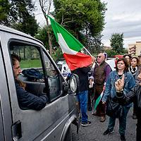 Manifestazione contro i rom alla Magliana