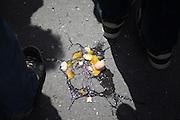 Kaputte Eier während dem Wahlkampfauftritt zur Europawahl der Oppositionspartei CSSD in Tschechien im Prager Stadtteil Vinohrady. Prag, Tschechische Republik, den 27.05.2009, Foto: Björn Steinz