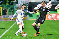 Denis Klinar of NK Maribor vs Zan Karnicnik of NS Mura during football match between NS Mura and NK Maribor in 10th Round of Prva liga Telekom Slovenije 2018/19, on September 30, 2018 in Mestni stadion Fazanerija, Murska Sobota, Slovenia. Photo by Mario Horvat / Sportida