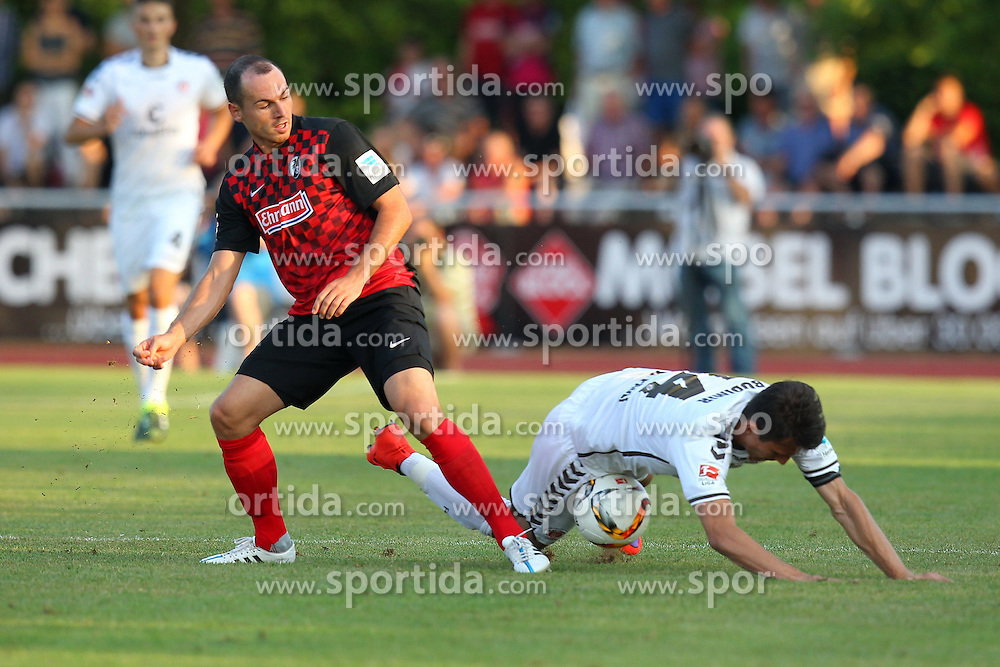 14.07.2015, Zeppelinstadion, Friedrichshafen, GER, Testspiel, FC St. Pauli vs SC Freiburg, im Bild Nicolas Hoefler ( SC Freiburg ) rechts Ante Budimir ( FC St.Pauli ) // during a preperation Football Match between FC St. Pauli vs SC Freiburg at the Zeppelinstadion in Friedrichshafen, Germany on 2015/07/14. EXPA Pictures © 2015, PhotoCredit: EXPA/ Eibner-Pressefoto/ Langer<br /> <br /> *****ATTENTION - OUT of GER*****