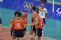 21-09-2000 AUS: Olympic Games Volleybal Nederland - Brazilie, Sydney<br /> Nederland verliest met 3-0 van Brazilie / Bas van de Goor, Richard Schuil