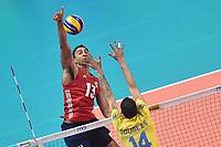Benjamin Patch USA, Douglas Souza BRA.<br /> Torino 28-09-2018 Pala Alpitour <br /> FIVB Volleyball Men's World Championship <br /> Pallavolo Campionati del Mondo Uomini <br /> Third round<br /> Brasile - Usa / Brazil - USA<br /> Foto Antonietta Baldassarre / Insidefoto