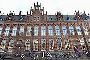 Nederland, Arnhem 14-01-2014 Filiaal van boekenhandel Polare. De boekwinkel is gevestigd in het voormalige postkantoor aan het Jansplein. Het bedrijf heeft een betalingsachterstand, waardoor het Centraal Boekhuis tot nader order geen boeken meer levert.Foto: Flip Franssen/Hollandse Hoogte