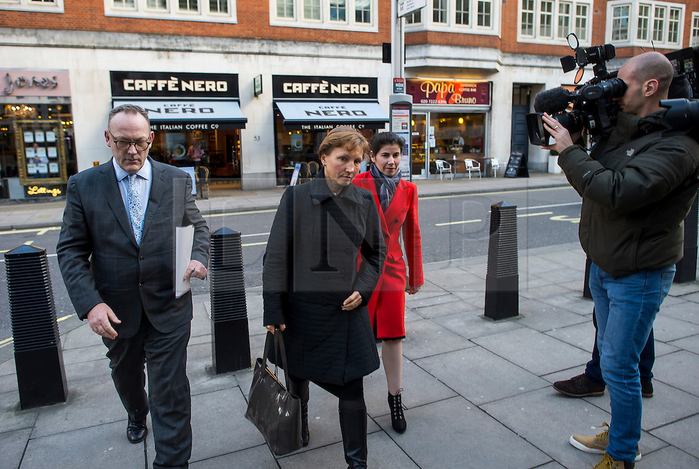 """©  London News Pictures. 28/01/2016. London, UK. MARINA LITVINENKO (centre), wife of murdered Russian agent Alexander Litvinenko, arrives at The Home Office in London with her lawyer, BEN EMMERSON QC (left)  ahead of private talks with British home secretary Theresa May. The meeting comes a week after an official inquiry into her husband's death concluded that his killing was """"probably approved"""" by Russian president Vladimir Putin. Photo credit: Ben Cawthra/LNP"""