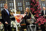 Koning Willem Alexander opent Lentetuin Breezand. Ruim veertig kwekers uit de kop van Noord-Holland tonen ieder jaar in deze bolbloemenshow een vari&euml;teit van hun bloemen. Het thema van het evenement is dit jaar de viering van 200 jaar Koninkrijk. <br /> <br /> King Willem Alexander opens Lentetuin Breezand. Over forty growers from the head of North Holland show every year in this bulb flower show a variety of their flowers. The theme of the event this year is the celebration of 200 years of Kingdom.