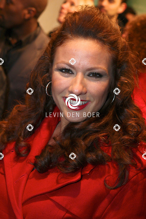 AMSTERDAM -  Jessica Mendels op de premiere van de film Loft dinsdag in Amsterdam. De film is vanaf 16 december in de Nederlandse bioscopen te zien. FOTO LEVIN DEN BOER - PERSFOTO.NU