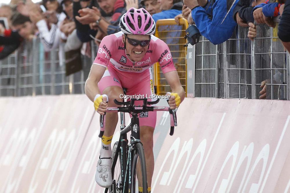 Foto LaPresse - Belen Sivori<br /> 22/05/2016 Alpi di Siusi, Italia<br /> Sport Ciclismo<br /> Giro d'Italia 2016 - 99a edizione - Tappa 15 - Castelrotto a Alpe di Siusi - Crono individuale - 10,8 km<br /> Nella foto: KRUIJSWIJK Steven (NED) TEAM LOTTO NL - JUMBO (NED) al arrivo<br /> <br /> Photo LaPresse - Belen Sivori<br /> 22/05/2016 Alpi di Siusi, Italy<br /> Sport  <br /> Giro d'Italia 2016 - 99&deg; edition -  Stage 15 - da Castelrotto a Alpi di Siusi - 10, 8 km<br /> In the pic: KRUIJSWIJK Steven (NED) TEAM LOTTO NL - JUMBO (NED)