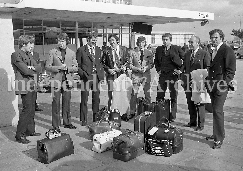 Sir Alf Ramsey and members of the English team arriving in Dublin 20/9/1971 (Part of the Independent Newspapers Ireland/NLI Collection)