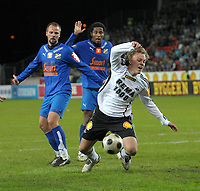 Fotball, Tippeligaen, Rosenborg ( RBK ) - Lyn,<br /> Jo Sondre Aas felles og får straffe,<br /> Foto: Carl-Erik Eriksson, Digitalsport