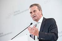 28 JUN 2019, BERLIN/GERMANY:<br /> Guenther Oettinger, EU-Kommissar fuer Haushalt und Personal, haelt eine Rede, Tag des Deutschen Familienunternehmens, Hotel Adlon<br /> IMAGE: 20190628-01-311<br /> KEYWORDS: Günther Oettinger