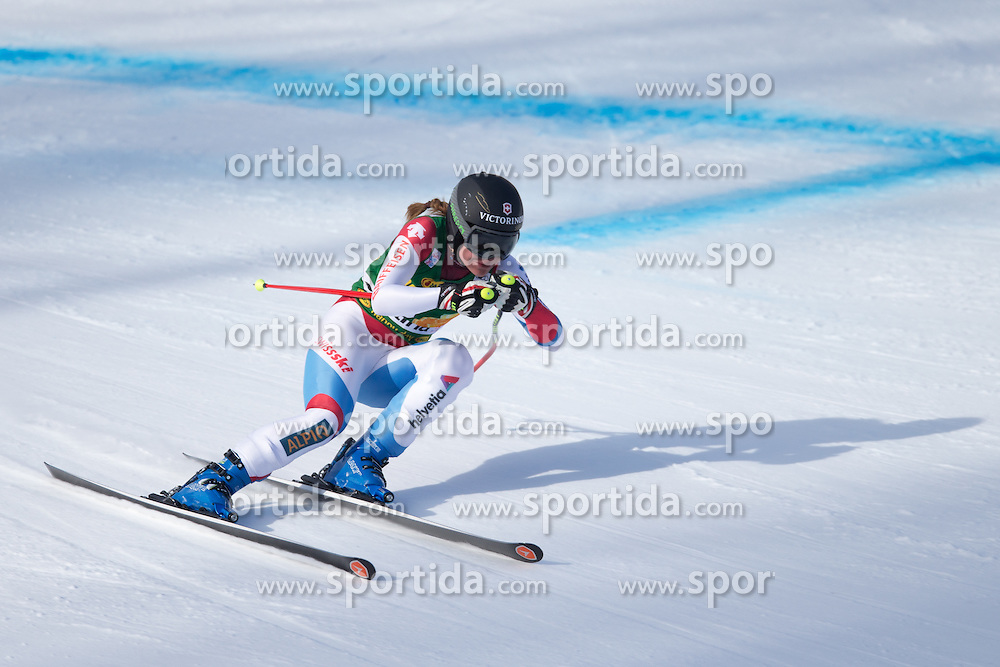 19.01.2015, Olympia delle Tofane, Cortina d Ampezzo, ITA, FIS Weltcup Ski Alpin, Super G, Damen, im Bild Fabienne Suter (SUI) // Fabienne Suter of Switzerland in action during the ladies SuperG of the Cortina FIS Ski Alpine World Cup at the Olympia delle Tofane course in Cortina d Ampezzo, Italy on 2015/01/19. EXPA Pictures © 2015, PhotoCredit: EXPA/ Johann Groder